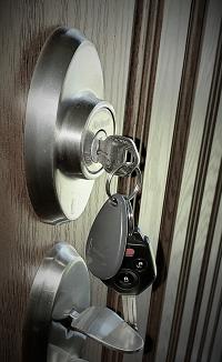 keys-door-lock-rent-or-buy-a-house