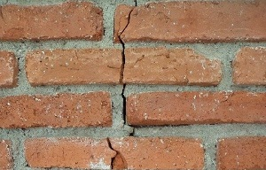 brick-cracked-home-inspection