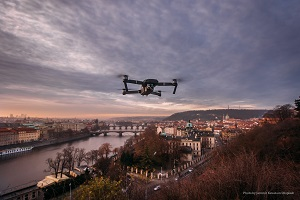 home-appraisal-drone-home-selling-buying