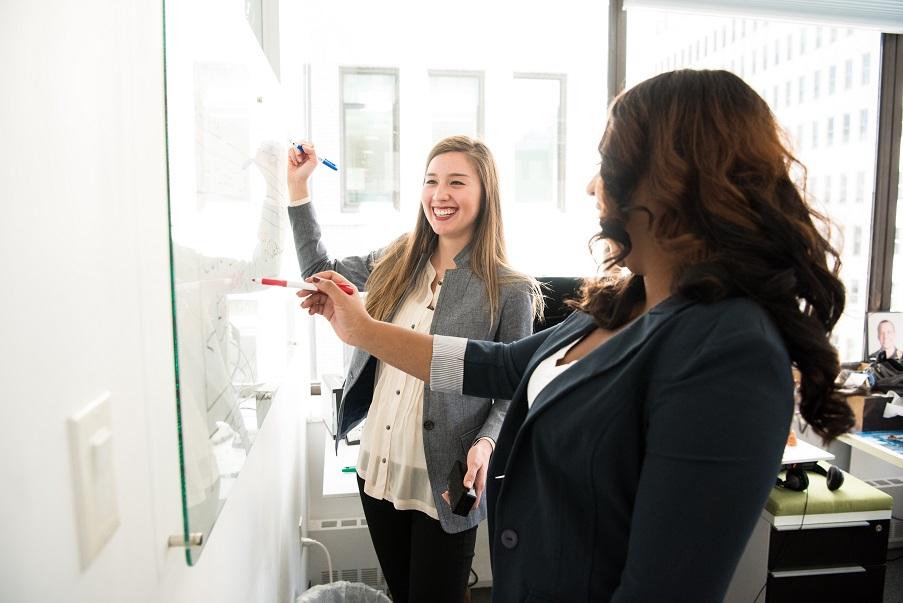 office-meeting-real-estate-coaching