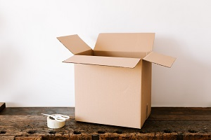 free-moving-boxes-packaging-tape