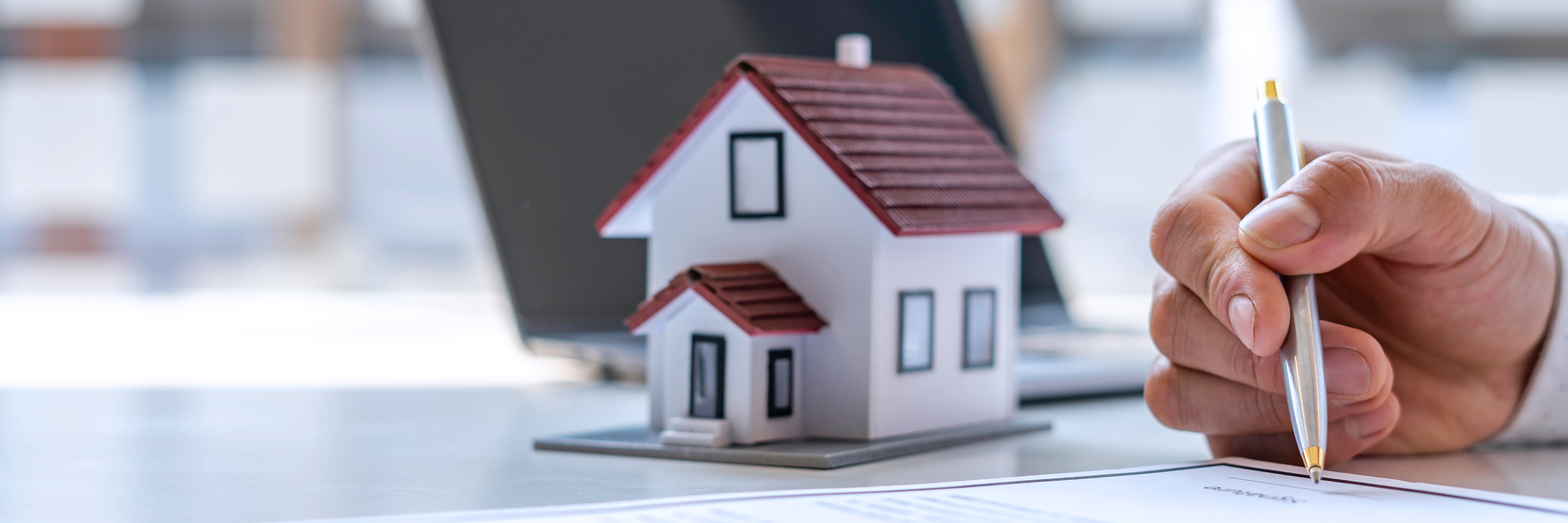 house-signing-paperwork-to-buy-a-house